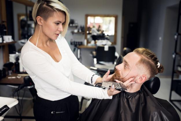 man-in-barbershop_1303-5411