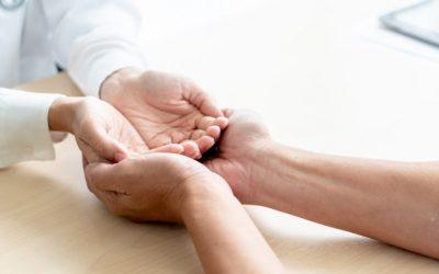 Como pode manter as suas mãos cuidadas?