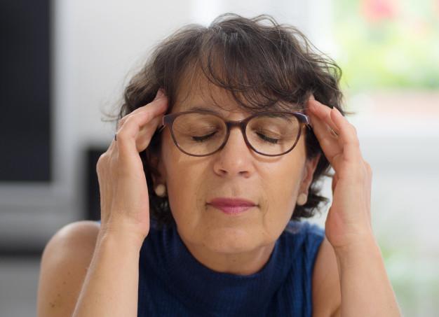 Exercício físico alivia os sintomas da menopausa